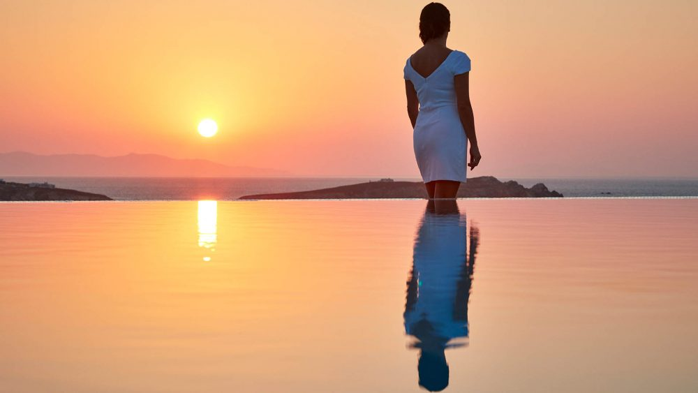 Discover the incomparable Bill & Coo Hotel, Mykonos, Greece
