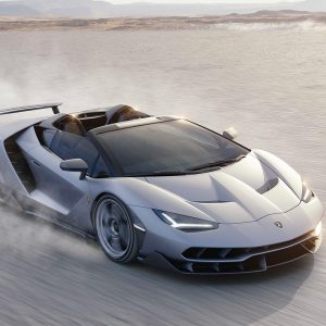Lamborghini Centenario Roadster, dressed in carbon fiber