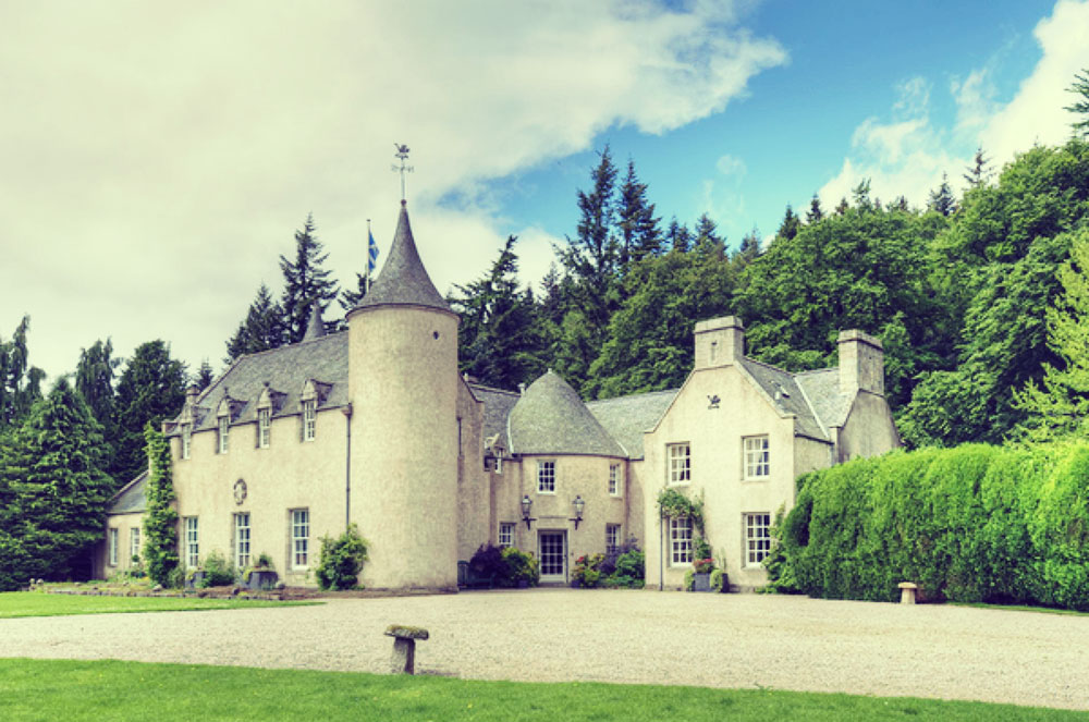 Stay in a Castle in Scotland – Top 4 to inspire you