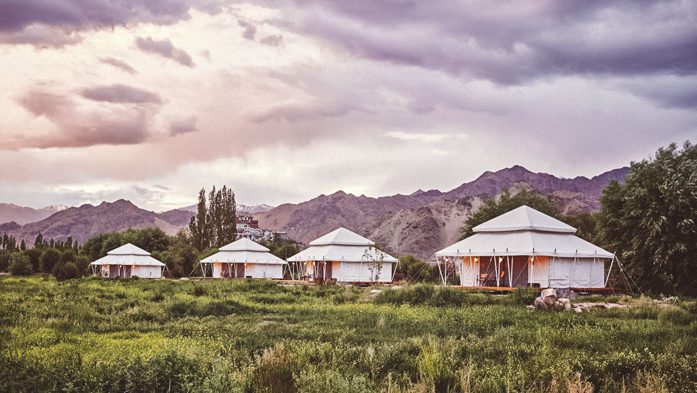 Luxury Experiences | The Ultimate Travelling Camp, mobile luxury camps in India