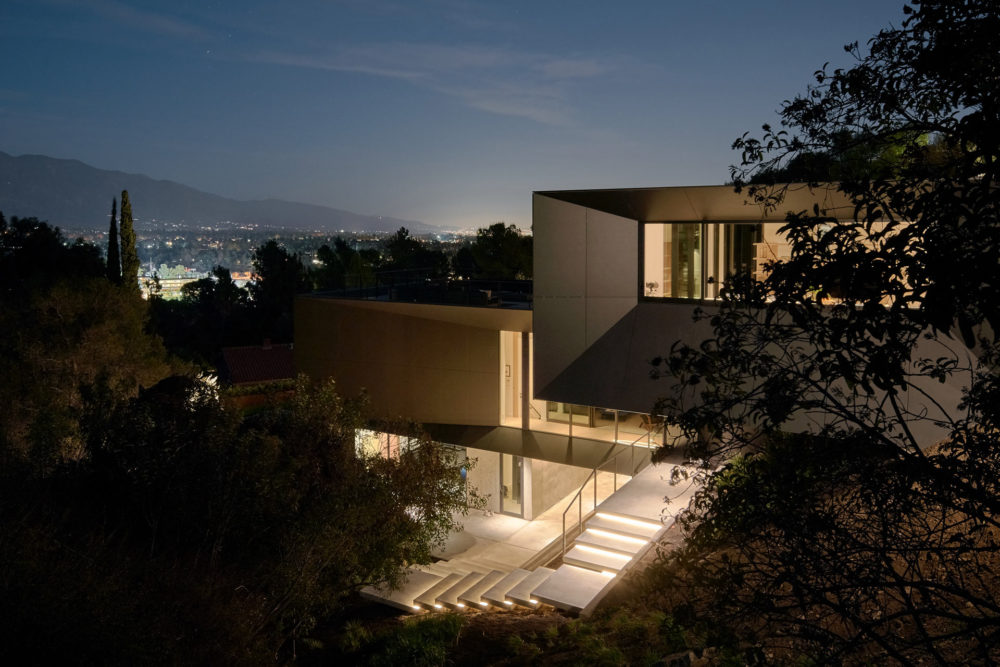 A look at the LR2 Residence, Pasadena, California by Montalba Architects