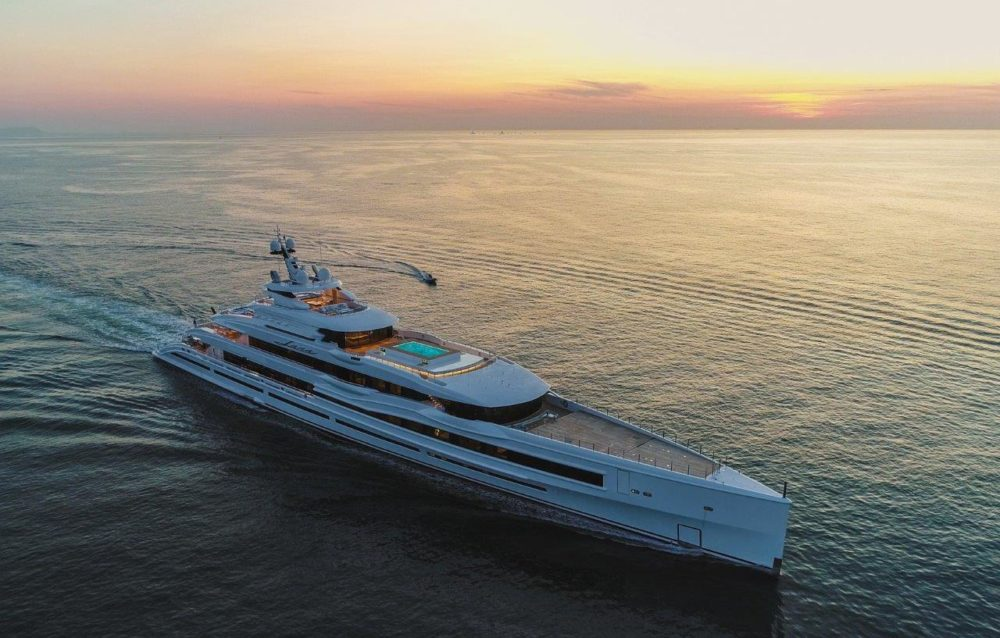 "Benetti delivers FB277 M/Y ""Lana"", a 107-metre giga yacht"
