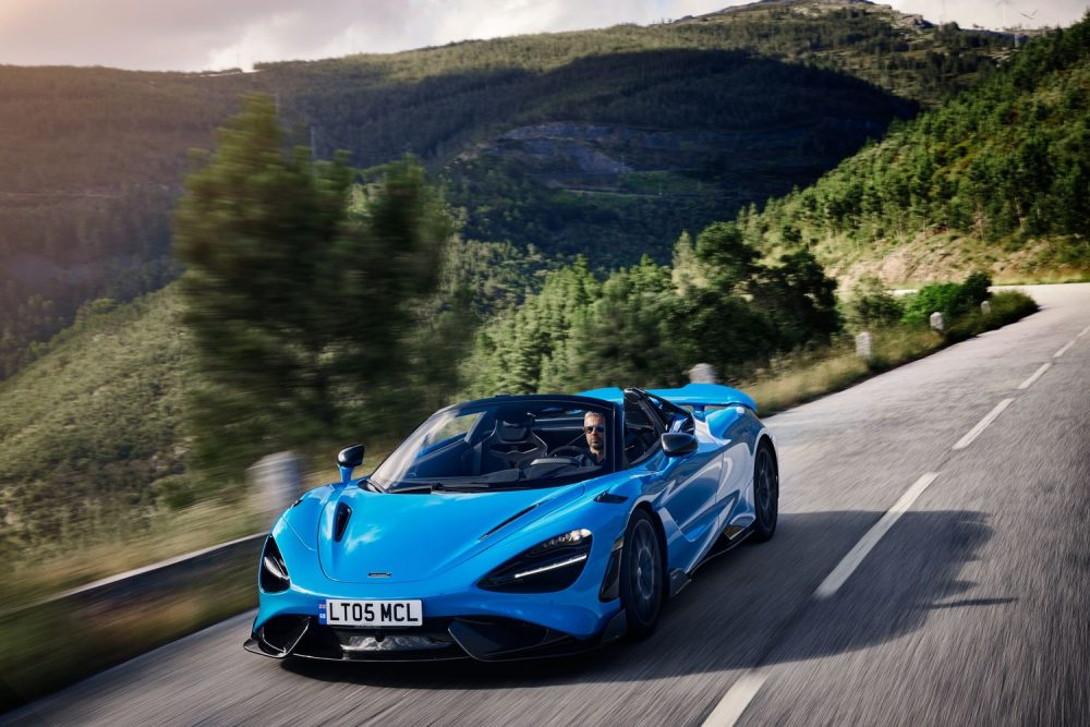 The McLaren 765LT Spider brings extreme performance and new heights of driver engagement